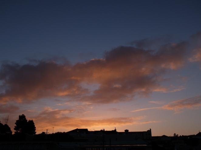 Sky 25.10 west